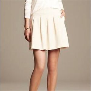 Banana republic ivory pleated skirt 8